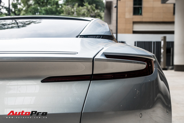Aston Martin DB11 V8 của đại gia Vũng Tàu ra biển số gánh, tái xuất với diện mạo mới - Ảnh 9.