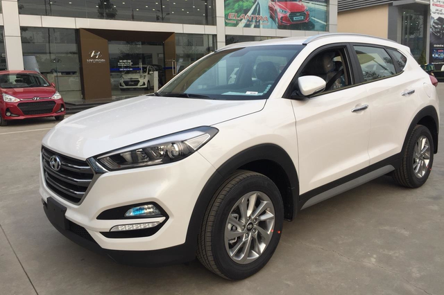 Mẫu mới cận kề ngày ra mắt, Hyundai Elantra và Tucson tiếp tục được giảm giá mạnh tại đại lý - Ảnh 2.