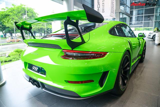 Cận cảnh hàng khủng Porsche 911 GT3 RS màu xanh lá độc nhất Việt Nam, sở hữu một trang bị đắt hơn cả Mitsubishi Xpander - Ảnh 4.