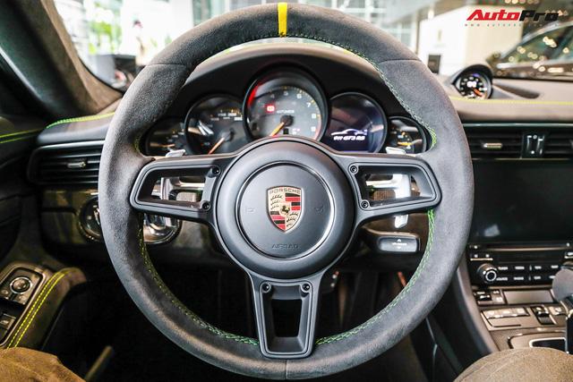 Cận cảnh hàng khủng Porsche 911 GT3 RS màu xanh lá độc nhất Việt Nam, sở hữu một trang bị đắt hơn cả Mitsubishi Xpander - Ảnh 8.