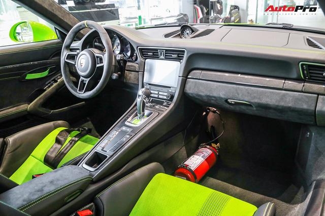 Cận cảnh hàng khủng Porsche 911 GT3 RS màu xanh lá độc nhất Việt Nam, sở hữu một trang bị đắt hơn cả Mitsubishi Xpander - Ảnh 7.