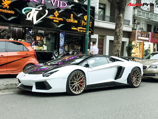 Đâu kém Sài Gòn, giờ Hà Nội cũng là 'thánh địa siêu xe' với dàn xế trăm tỷ diễu phố - Ảnh 1.