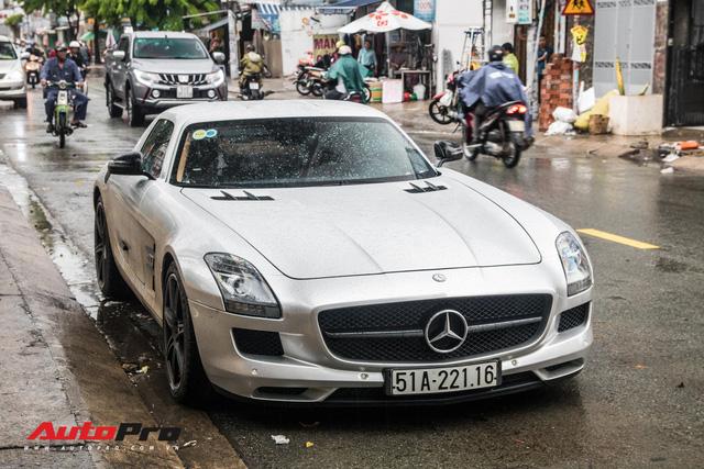 Tóm gọn Mercedes-Benz SLS AMG của ông Đặng Lê Nguyên Vũ khi trên đường về nhà riêng từ Đak Lak - Ảnh 2.