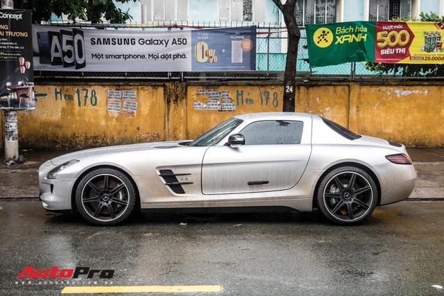 Tóm gọn Mercedes-Benz SLS AMG của ông Đặng Lê Nguyên Vũ khi trên đường về nhà riêng từ Đak Lak - Ảnh 5.