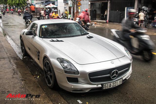 Tóm gọn Mercedes-Benz SLS AMG của ông Đặng Lê Nguyên Vũ khi trên đường về nhà riêng từ Đak Lak - Ảnh 12.