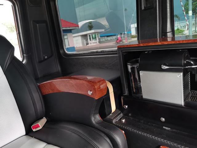 Từng lắp ống thở cho SUV hạng sang chưa đủ, cách làm gói nội thất mới cho Mercedes-AMG G63 của ông Đặng Lê Nguyên Vũ còn đặc biệt hơn thế - Ảnh 4.