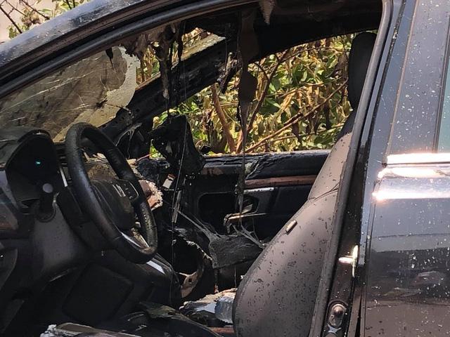 Đỗ xe dưới trời nắng nóng, Honda CR-V bỗng phát nổ rồi bốc cháy thảm thương - Ảnh 5.