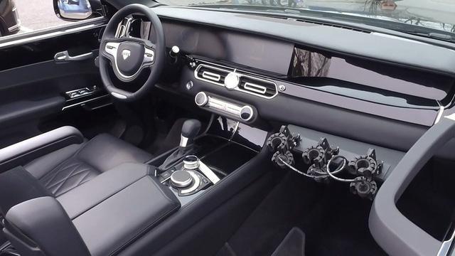 Limousine như Rolls-Royce của tổng thống Putin mở mui, chạy thử cho lễ diễu binh - Ảnh 3.