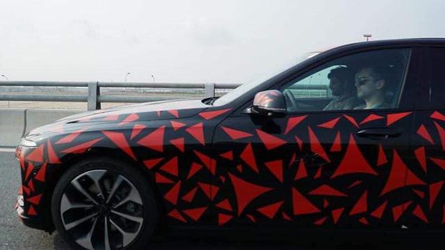 VinFast nguỵ trang xe như trang trí, còn các hãng ô tô khác thì sao? - Ảnh 3.