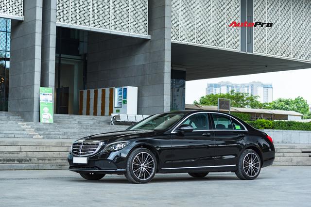 Đánh giá Mercedes-Benz C200 Exclusive: Lựa chọn 'quốc dân' cho người muốn 'nhập môn' xe sang - Ảnh 5.