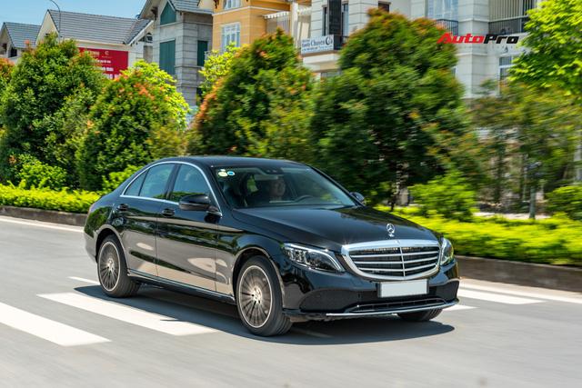 Đánh giá Mercedes-Benz C200 Exclusive: Lựa chọn 'quốc dân' cho người muốn 'nhập môn' xe sang - Ảnh 7.