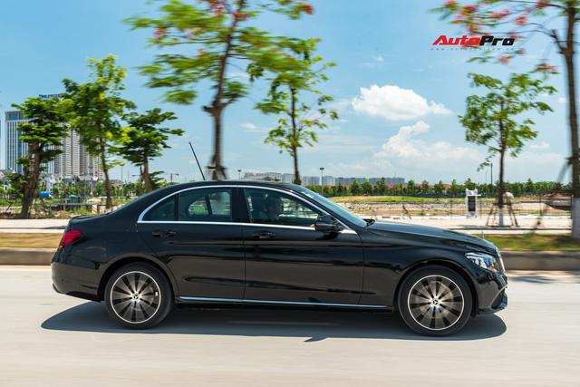 Đánh giá Mercedes-Benz C200 Exclusive: Lựa chọn 'quốc dân' cho người muốn 'nhập môn' xe sang - Ảnh 6.