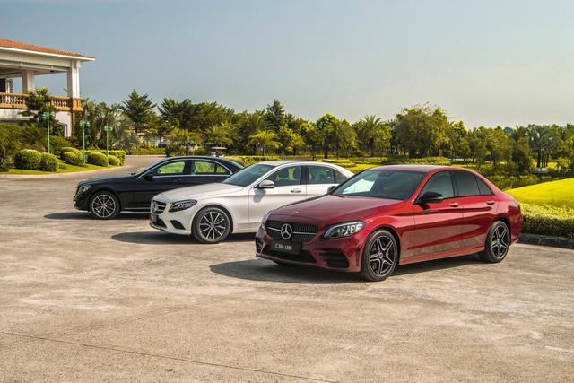 Đánh giá Mercedes-Benz C200 Exclusive: Lựa chọn 'quốc dân' cho người muốn 'nhập môn' xe sang - Ảnh 1.