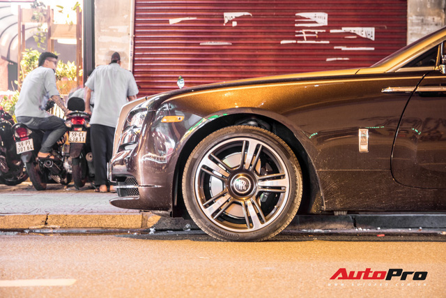Bắt gặp Rolls-Royce hai cửa mới tậu của dân chơi đồng hồ tại Hà Nội - Ảnh 6.