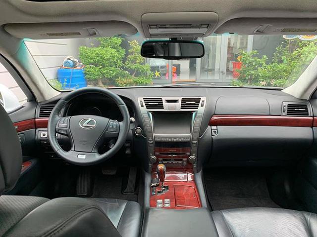 Lexus LS460L bán lại chỉ hơn 1,4 tỷ đồng và đây là lý do phía sau - Ảnh 4.