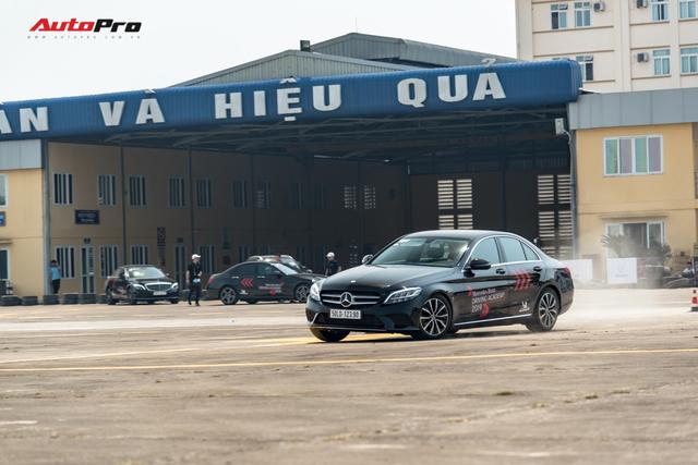 Chủ xe Ford Focus, Honda Civic và Mazda3 nói gì về Mercedes-Benz C-Class 2019 sau lần đầu cầm lái? - Ảnh 7.