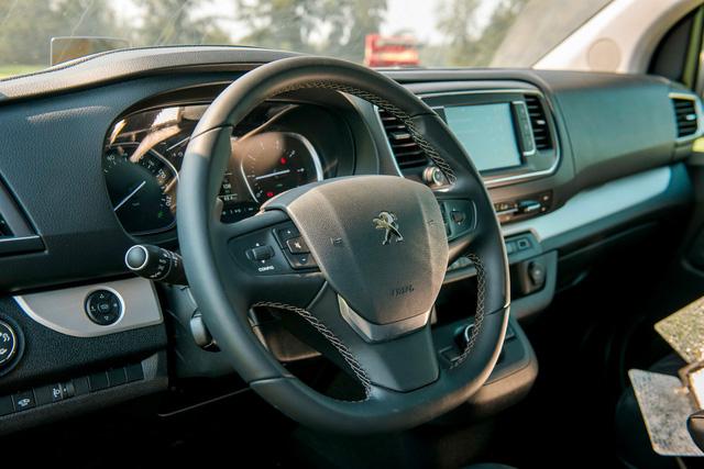 Xuất xưởng Peugeot Traveller lắp ráp Việt Nam giá gần 1,7 tỷ đồng: Tham vọng mới của THACO - Ảnh 6.
