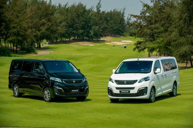 Cầm 2,3 tỷ đi mua Peugeot Traveller bản thương gia hay mua bản thường và sắm thêm được cả Kia Cerato? - Ảnh 1.
