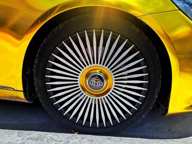 Đại gia Sài Gòn giả Mercedes-Benz S-Class như Maybach dát vàng Trung Đông, logo mâm xe như Rolls-Royce - Ảnh 5.