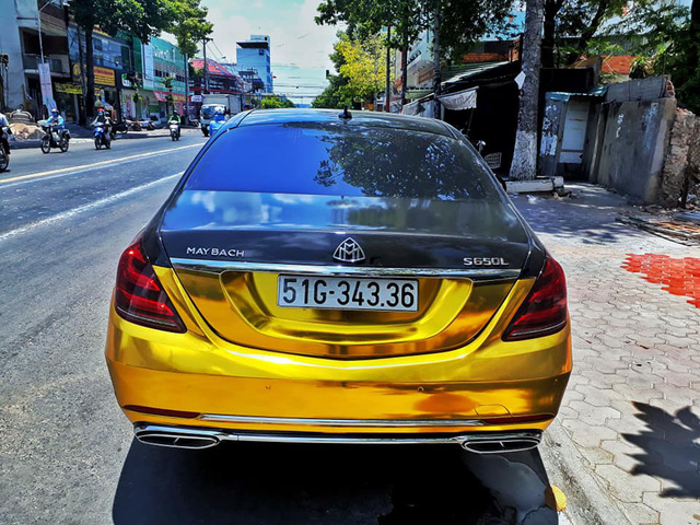 Đại gia Sài Gòn giả Mercedes-Benz S-Class như Maybach dát vàng Trung Đông, logo mâm xe như Rolls-Royce - Ảnh 4.