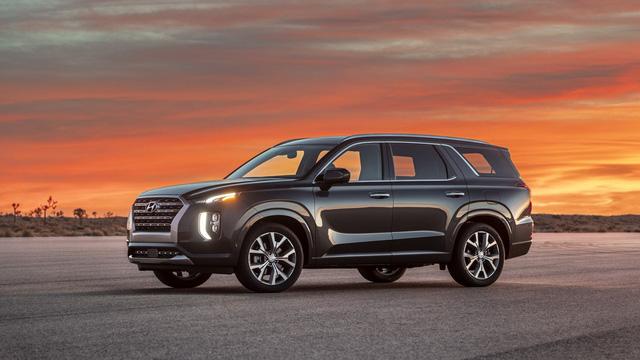 Hyundai Palisade chốt giá rẻ bất ngờ, tham vọng hạ bệ Ford Explorer