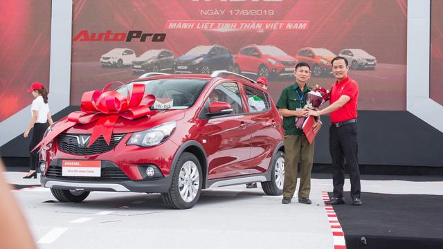 VinFast bàn giao hàng trăm xe Fadil, lập kỷ lục tại Việt Nam