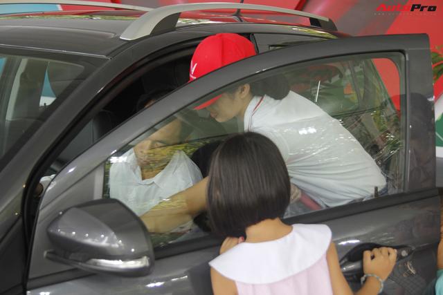 VinFast bàn giao hàng trăm xe Fadil, lập kỷ lục tại Việt Nam - Ảnh 15.