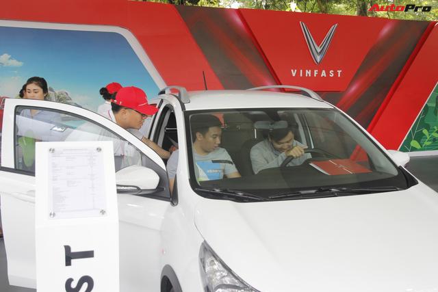 VinFast bàn giao hàng trăm xe Fadil, lập kỷ lục tại Việt Nam - Ảnh 14.