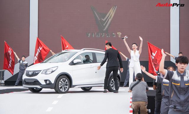 VinFast bàn giao hàng trăm xe Fadil, lập kỷ lục tại Việt Nam - Ảnh 6.