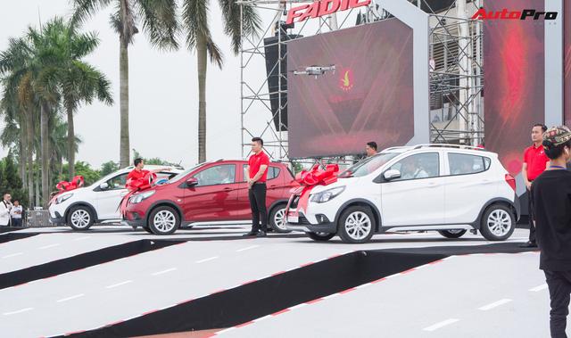 VinFast bàn giao hàng trăm xe Fadil, lập kỷ lục tại Việt Nam - Ảnh 5.