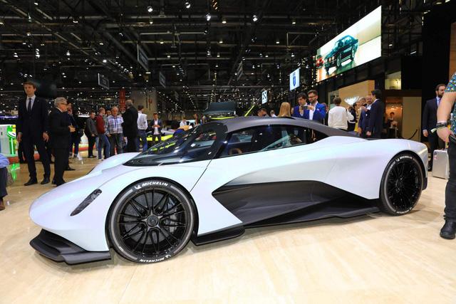 Đặt tên xe luôn bắt đầu bằng chữ V, Aston Martin chốt tên Valhalla cho siêu xe mới - Ảnh 1.