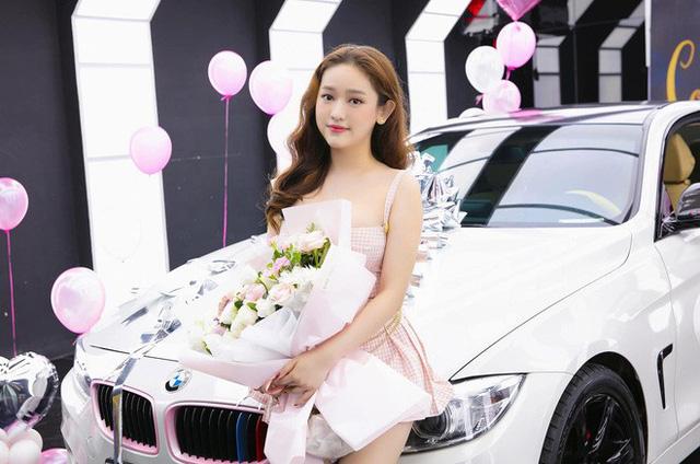 Thúy Vi khoe ảnh tậu BMW 420i giá 2 tỷ đồng, thẳng thắn nói về tin đồn giàu có nhờ làm gái ngành - Ảnh 1.