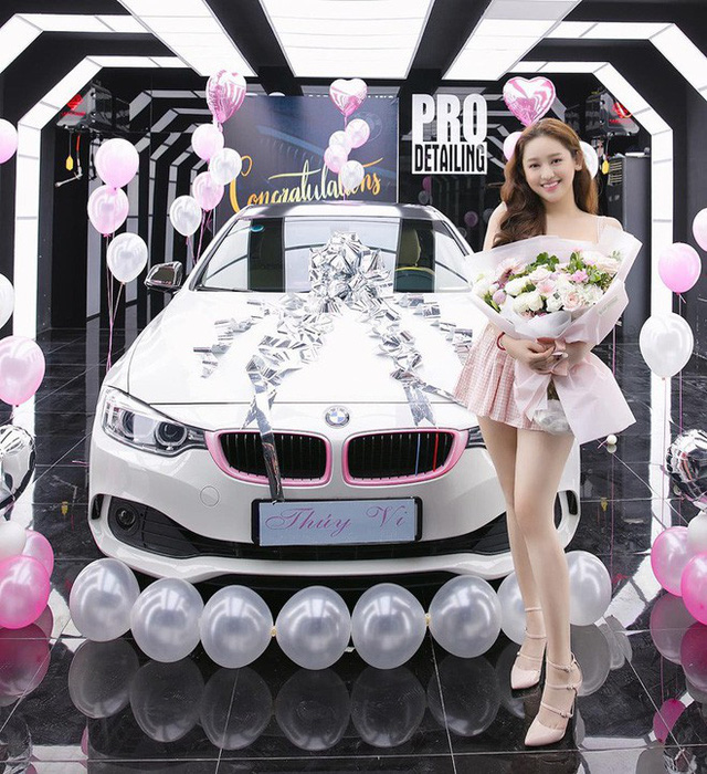 Thúy Vi khoe ảnh tậu BMW 420i giá 2 tỷ đồng, thẳng thắn nói về tin đồn giàu có nhờ làm gái ngành - Ảnh 2.