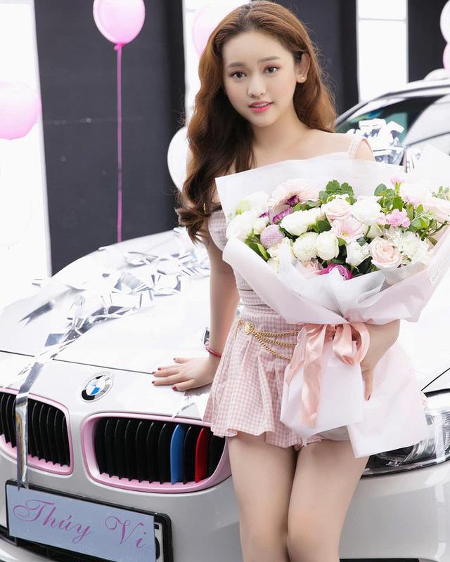 Thúy Vi khoe ảnh tậu BMW 420i giá 2 tỷ đồng, thẳng thắn nói về tin đồn giàu có nhờ làm gái ngành - Ảnh 3.