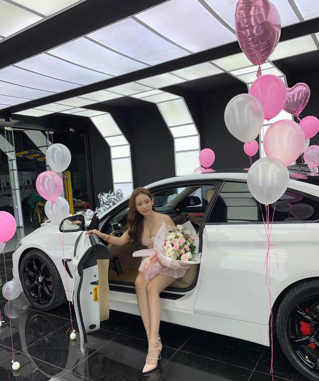 Thúy Vi khoe ảnh tậu BMW 420i giá 2 tỷ đồng, thẳng thắn nói về tin đồn giàu có nhờ làm gái ngành - Ảnh 4.