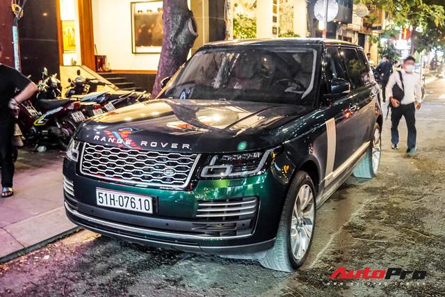 Range Rover Autobiography 2019 màu độc trực rỡ trên đường phố Sài Gòn - Ảnh 4.