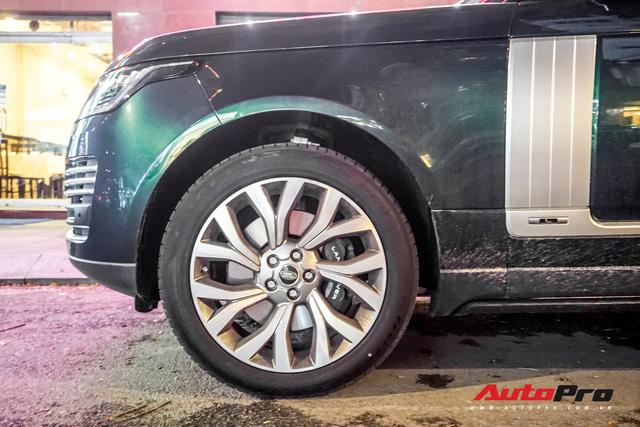 Range Rover Autobiography 2019 màu độc trực rỡ trên đường phố Sài Gòn - Ảnh 8.