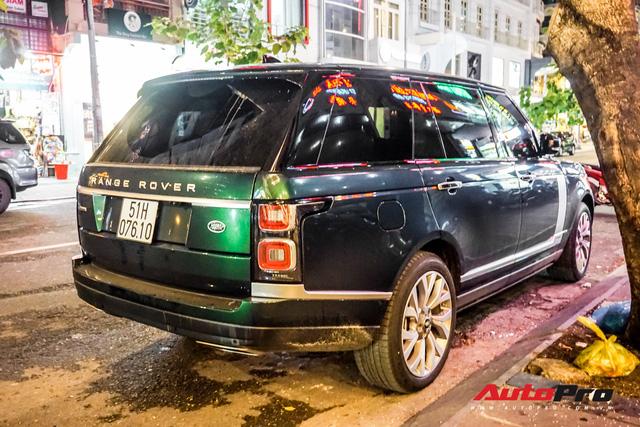 Range Rover Autobiography 2019 màu độc trực rỡ trên đường phố Sài Gòn - Ảnh 11.