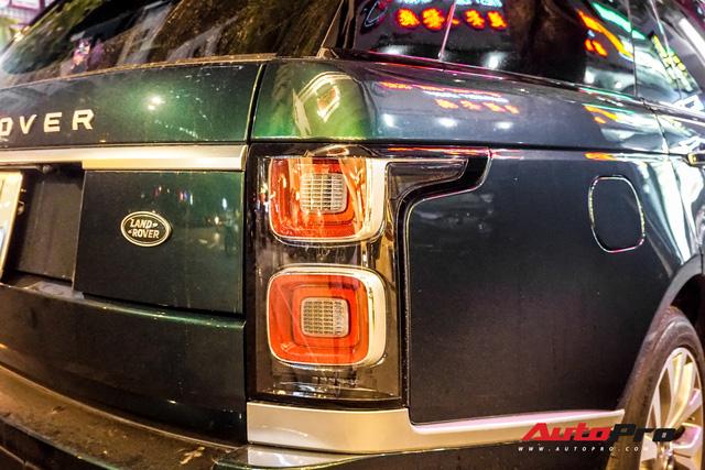 Range Rover Autobiography 2019 màu độc trực rỡ trên đường phố Sài Gòn - Ảnh 10.