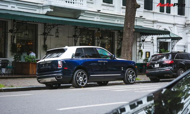 Rolls-Royce Cullinan đầu tiên về Việt Nam lột xác với diện mạo hoàn toàn mới - Ảnh 3.