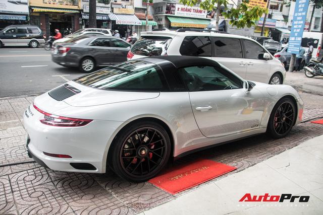 Porsche 911 Targa 4 GTS độc nhất Việt Nam ra biển số trắng Sài Gòn - Ảnh 5.