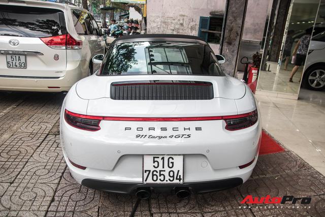 Porsche 911 Targa 4 GTS độc nhất Việt Nam ra biển số trắng Sài Gòn - Ảnh 7.