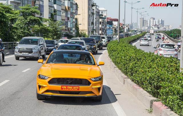 Dàn siêu xe, xe thể thao và xe siêu sang trị giá cả trăm tỷ diễu hành trên phố Hà Nội - Ảnh 6.
