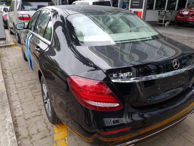 Lộ ảnh và thông tin Mercedes-Benz E350 2019 'sản xuất giới hạn' tại Việt Nam - Ảnh 1.