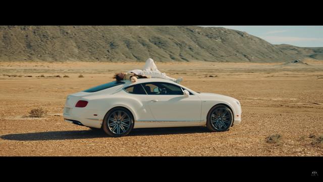 Sơn Tùng MT-P đem Bentley Continental GT Speed vào Hãy trao cho anh - Ảnh 5.