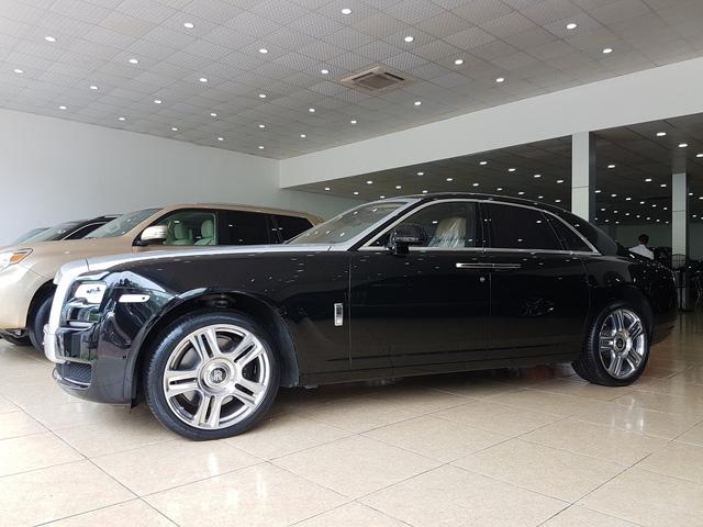 4 năm tuổi, Rolls-Royce Ghost Series II vẫn có giá hơn 20 tỷ đồng - Ảnh 1.