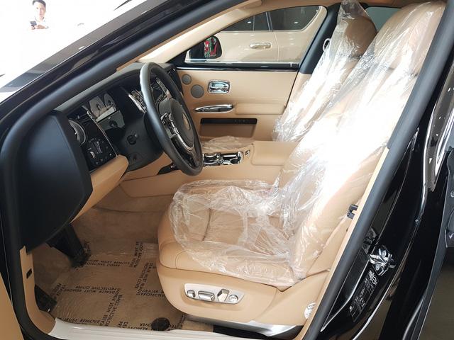 4 năm tuổi, Rolls-Royce Ghost Series II vẫn có giá hơn 20 tỷ đồng - Ảnh 9.