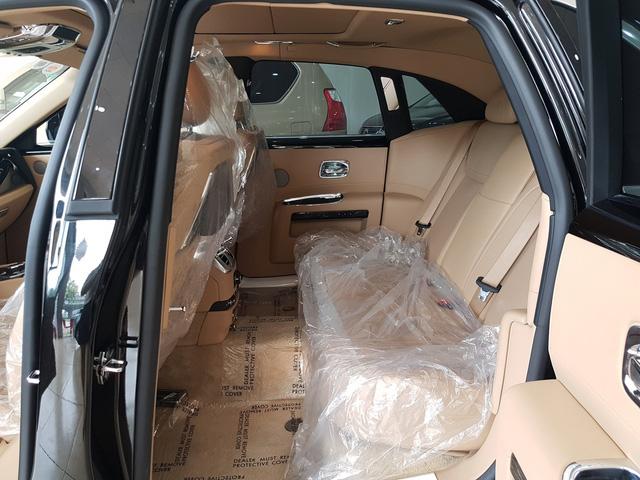 4 năm tuổi, Rolls-Royce Ghost Series II vẫn có giá hơn 20 tỷ đồng - Ảnh 10.