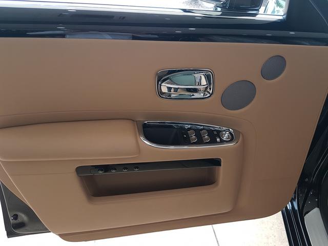 4 năm tuổi, Rolls-Royce Ghost Series II vẫn có giá hơn 20 tỷ đồng - Ảnh 7.