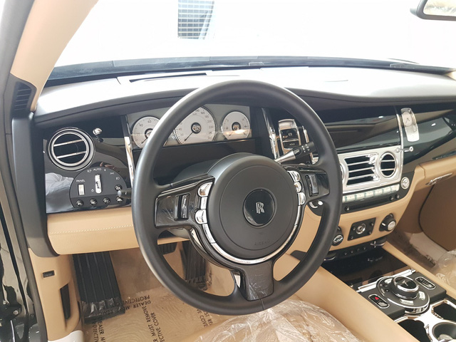 4 năm tuổi, Rolls-Royce Ghost Series II vẫn có giá hơn 20 tỷ đồng - Ảnh 8.